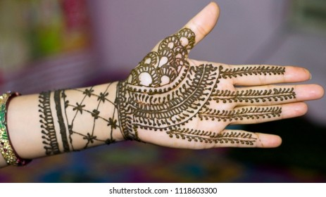 Indian Traditional Mehndi design for hand