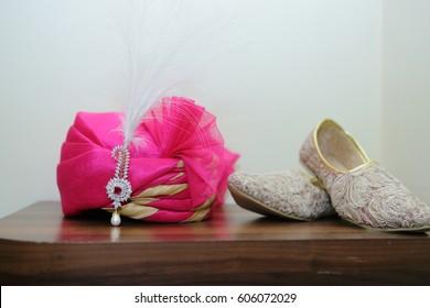Indian Wedding Ceremional. Luxury Oriental Fashion beauty Accessories: Bridal Pagadi, Shoes, Jewellery, Desginer Sherwani