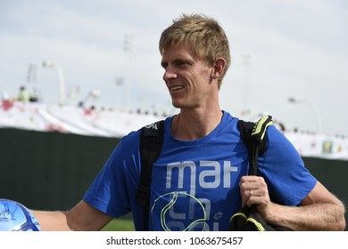 INDIAN WELLS - MARCH 9:  Kevin Anderson (RSA) greets fans at the BNP Paribas Open on March 9, 2017 in Indian Wells, CA.
