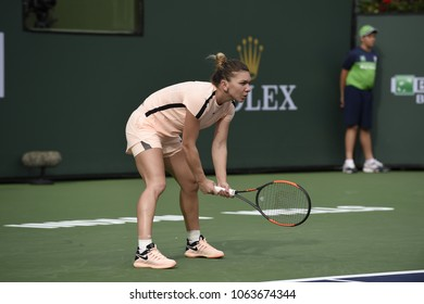 INDIAN WELLS - MARCH 9:  Simona Halep (ROU)  competes in round 2 at the BNP Paribas Open on March 9, 2017 in Indian Wells, CA.