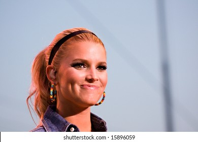 INDIANAPOLIS - AUGUST 7: Singer Jessica Simpson performs at the Indiana State Fair on August 7, 2008 in Indianapolis, Indiana