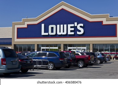 Indianapolis - Circa April 2016: Lowe's Home Improvement Warehouse. Lowe's Helps Customers Improve the Places They Call Home III