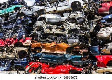Indianapolis - Circa August 2016 - A Pile of Stacked Junk Cars - Crushed and Discarded Junk Cars Piled Up VII