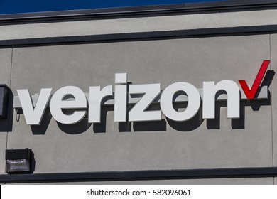 Indianapolis - Circa February 2017: Verizon Wireless Retail Location. Verizon is One of the Largest Technology Companies