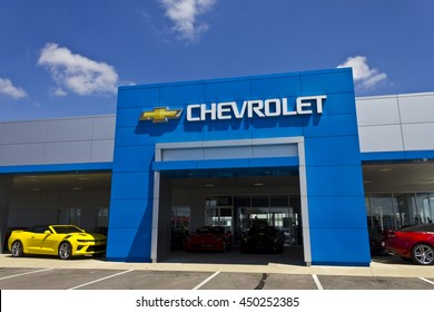 Indianapolis - Circa July 2016: Chevrolet Automobile Dealership. Chevrolet is a Division of General Motors I
