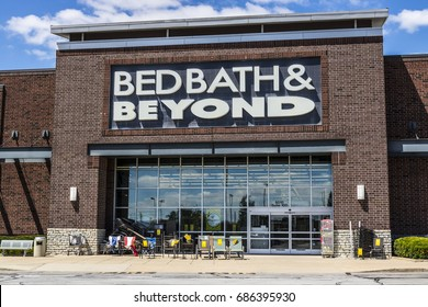 Indianapolis - Circa July 2017: Bed Bath & Beyond Retail Location. Bed Bath & Beyond is a Chain with a Varied Selection of Home Goods V