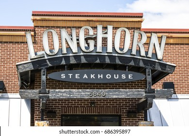 Indianapolis - Circa July 2017: LongHorn Steakhouse casual dining restaurant. LongHorn Steakhouse is owned and operated by Darden Restaurants I
