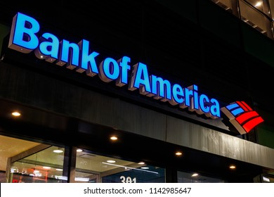 Indianapolis - Circa July 2018: Bank of America Bank and Loan Branch. Bank of America is also known as BofA or BAC I