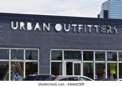 Indianapolis - Circa June 2016: Urban Outfitters Retail Location. Urban Outfitters is a Chain with a Hipster Vibe Known for On-Trend Fashions I