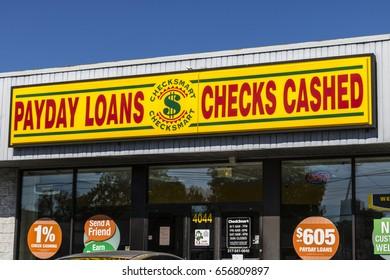 Indianapolis - Circa June 2017: CheckSmart Payday Loan Location. CheckSmart is an emergency cash advance company I