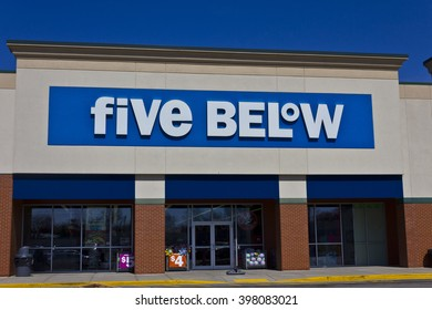 Indianapolis - Circa March 2016: Five Below Retail Store. Five Below Caters to Teens and their Parents I