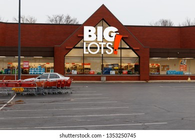 Indianapolis - Circa: March 2019: Big Lots Retail Discount Location. Big Lots is a Discount Chain Selling Food, Furniture and Housewares I