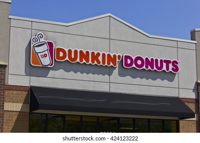Indianapolis - Circa May 2016: Dunkin' Donuts Retail Location. Dunkin' is America's favorite every day, all-day stop for coffee and baked goods II