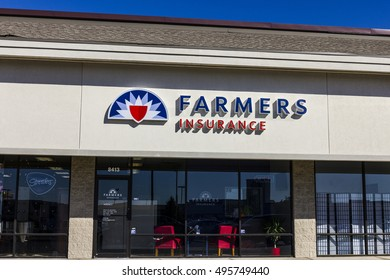 Indianapolis - Circa October 2016: Farmers Insurance Group Agent Location. Farmers Provides Home, Life and Car Insurance II