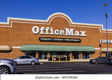 Indianapolis - Circa October 2016: OfficeMax Retail Strip Mall Location. OfficeMax is a subsidiary of Office Depot II