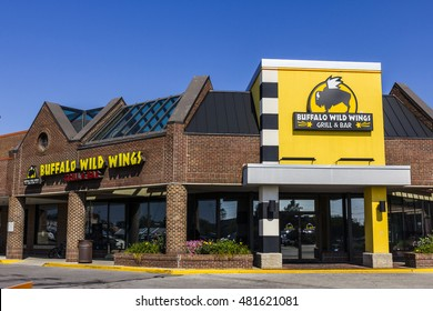 Indianapolis - Circa September 2016: Buffalo Wild Wings Grill and Bar Restaurant. You Can Find Live Sports, Wings and Beer at B-Dubs II