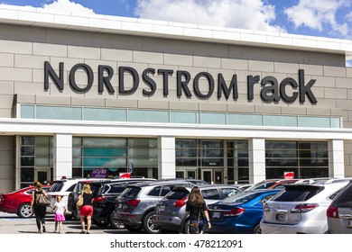 Indianapolis - Circa September 2016: Nordstrom Rack Strip Mall Location. Nordstrom is Known for its Service and Fashion IV