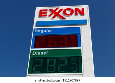 Indianapolis - Circa September 2019: Exxon Retail Gas Location. ExxonMobil is the World's Largest Oil and Gas Company