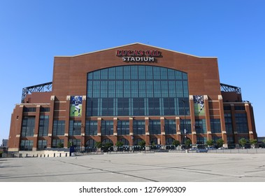 INDIANAPOLIS,INDIANA,USA-MAY 24:Lucas Oil Stadium Home of The Indianapolis Colts Football Team.May 24,2016 in Indianapolis,Indiana,USA.
