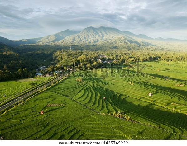 indonesia-aerial-photo-landscape-mountai