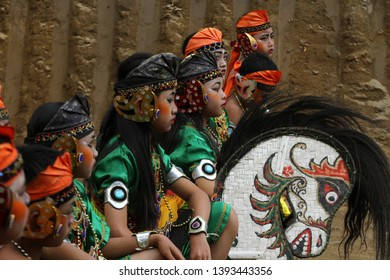 Indonesia Culture Indonesia child prepare for performe Jarang Kepang dance in Klaten, Central Java, 01 May 2018. As the successor to ancestral culture
