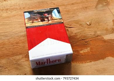 Royalty-Free Marlboro Pack Stock Images, Photos & Vectors