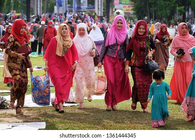 Muslim Music Indonesia Images, Stock Photos & Vectors | Shutterstock