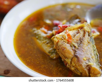 Indonesian fish soup with whitefish served in bowl. White fish or white- fleshed fish is a fishery term that refers to several species of demersal fish with fins , specifically cod ( Gadus morhua ).
