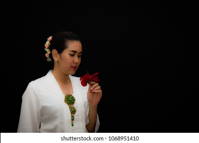 Indonesian Lady Taking Pose as Historical Figure