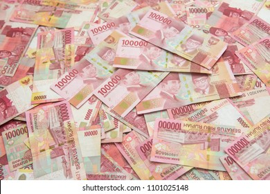 Indonesian rupiah banknotes series with the value of one hundred thousand rupiah IDR 100.000 issued since 2004, Indonesian rupiah for background