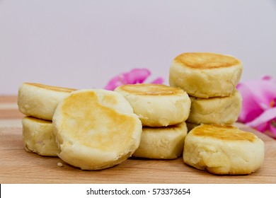 indonesian traditional cake, bakpia, close up photo studio