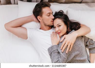 dating shy guy kissing