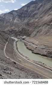 Indus River winds thru lower Himalayan foothills, India