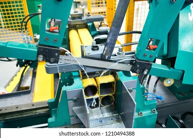 industrial band saw for metal cutting