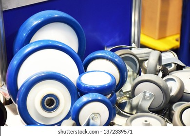 Industrial blue urethane on the plastic core wheels. Group of different size and diameter small wheelse for sale. Heavy Duty Fixed Polyurethane Industrial trolley Swivel Rubber Caster Wheels.