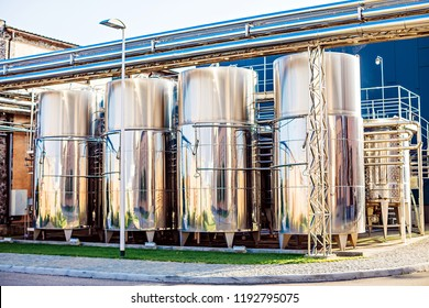 Industrial equipment for wine production