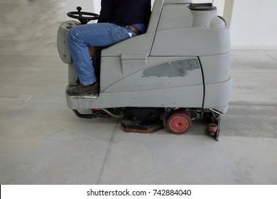 industrial floor scrubbers