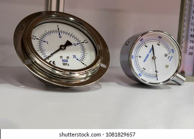 Industrial Pressure Gauges ; For air pressure checking