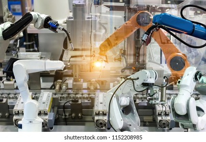 Industrial robot mechanical arm of Electronic Parts Manufacturing