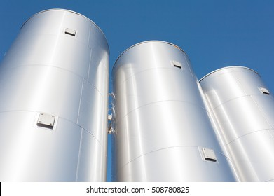 Industrial silos for chemical production, by stainless steel
