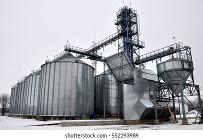 Industrial silos to store eight thousand tons of grain