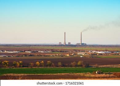 Centrale thermique industrielle avec cheminée