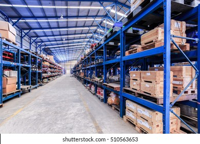 industrial warehouse use shelf and pallet for storage and distribution spare part