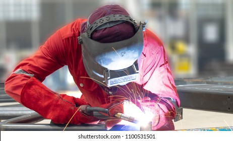 Industrial welding steel structure of Petrochemicals or Oil & Gas , Process fluxed cored arc welding, Selective focus