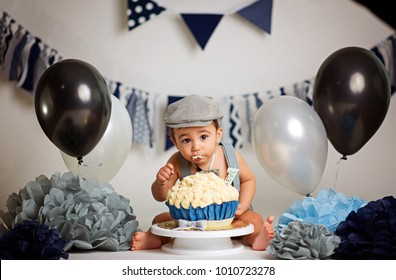 1000 Decoration First Birthday Smash Cake Stock Images