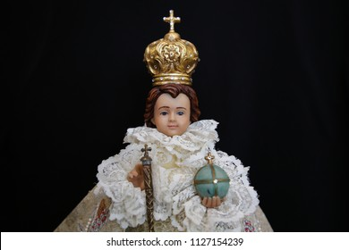 infant of Prague Child Jesus statue