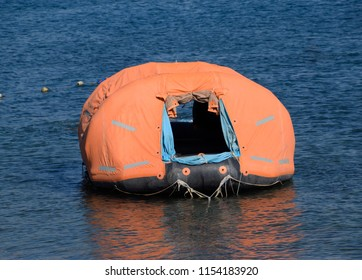 Inflatable boat with tent, Canopy on boat.