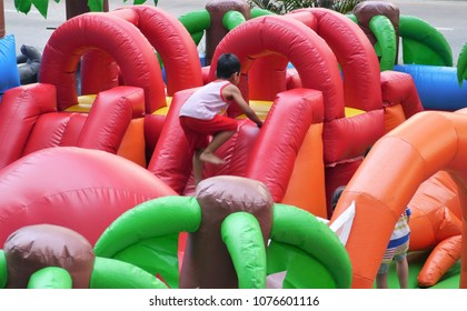 Inflatable bouncer playground kids
