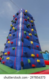 inflatable climbing tower for children
