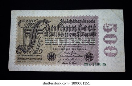 Inflation money German Reich. Here is a Reichsbanknote for five hundred million Marks.